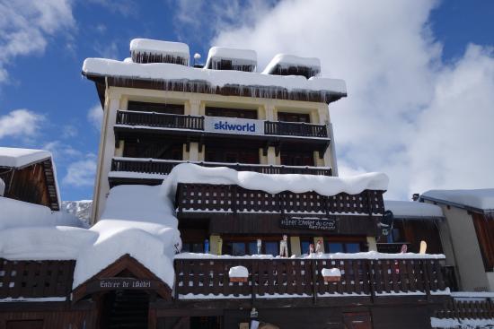 Hotel Chalet du Crey: L'hôtel depuis le parking