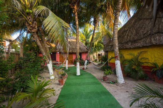 Casa Maya Holbox: JARDÍN DE DESCANSO