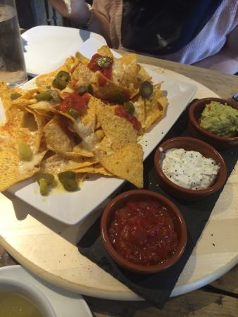 Frankies Wine Bar: The best nachos!
