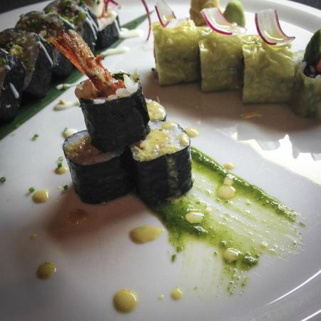 Aroma sushi japanese restaurant 68 rue boisnet in for Aroma japanese cuisine