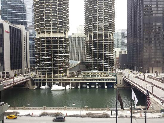View of the chicago river from my room picture of for All hotels downtown chicago