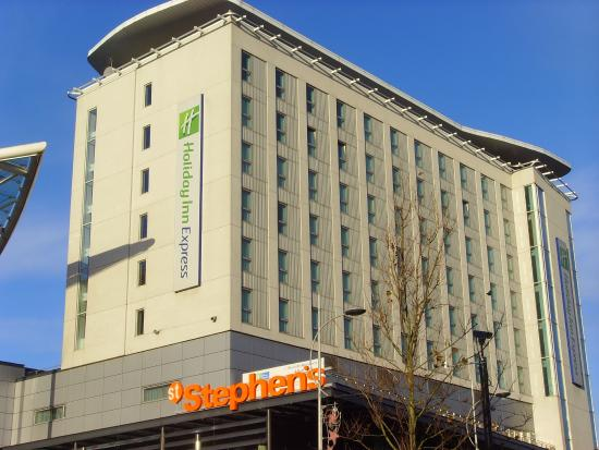Holiday Inn  Express Hull City Centre: Hotel from the outside