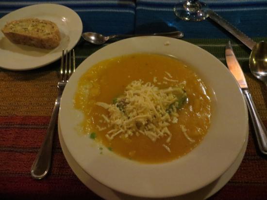 Cabanas del Lago - comedor : Delicious soup starter