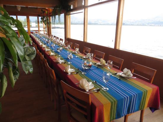 Cabanas del Lago - comedor : Tables ready and waiting