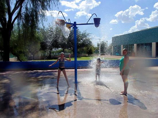 lake havasu city aquatic center outdoor fountain play area