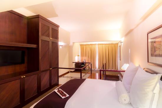 Thunderbird Hotels Fiesta Hotel & Casino : Acogedora Junior Suite