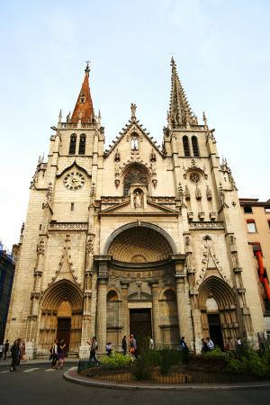 Eglise Saint Nizier : Церковь Сен-Низье