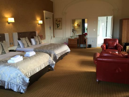 Royal Ettrick Hotel: The James Suite main room
