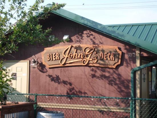 John G's Bier Deck: Outside