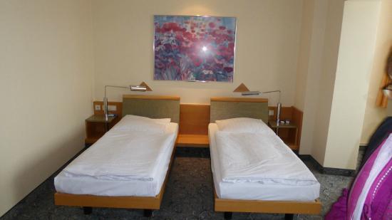 ABACUS Tierpark Hotel: 2 Einzelbetten