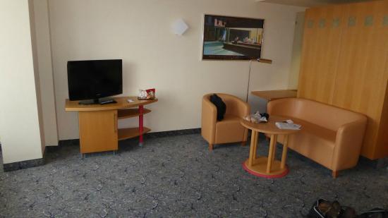 ABACUS Tierpark Hotel: Sitzgruppe Zimmer