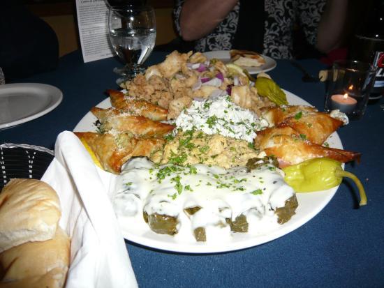 La Casa Ouzeria Restaurant: Greek platter