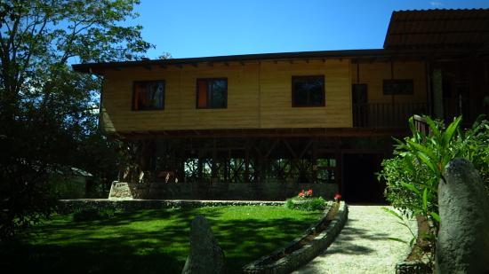 Hotel de Montaña El Pelicano: entrada principal