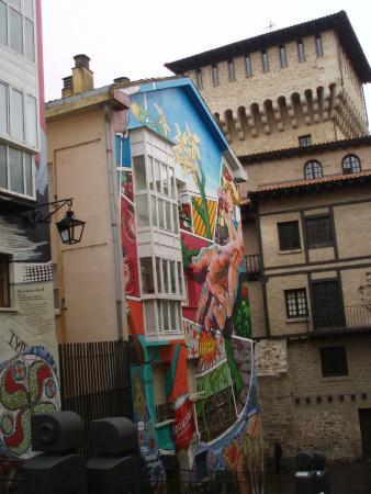 Ruta De Murales Picture Of Mural Al Hilo Del Tiempo Vitoria