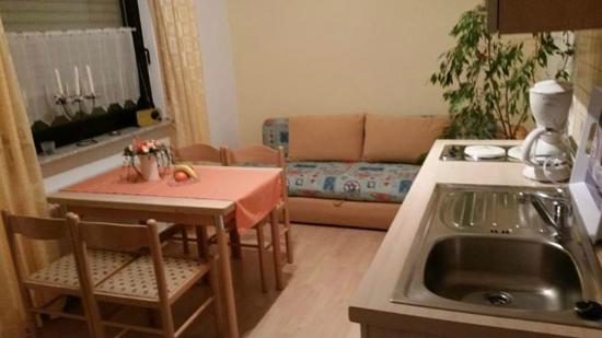 Wimbach, Deutschland: kitchen in room