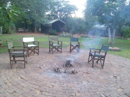 Prana House & Prana Tented Camp Zambia: Outdoor firepit