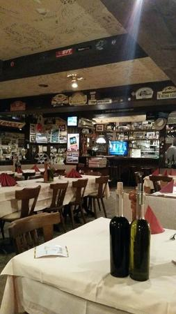 Pizzaria Pistenklause: the dining room