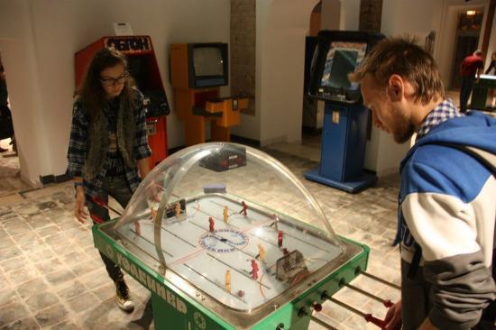 Где можно поиграть в игровые автоматы в казани голден интерстар dsr 7700