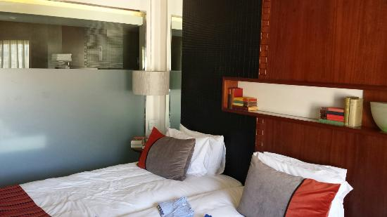 Townhouse Hotel: Zimmer 1003