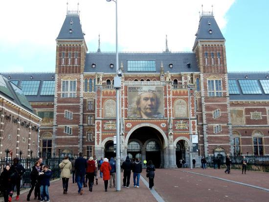 Zijkant van de hal voor ingang binnen picture of rijksmuseum amsterdam tripadvisor for Hal ingang