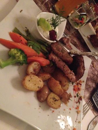 Ariston: Nice food!