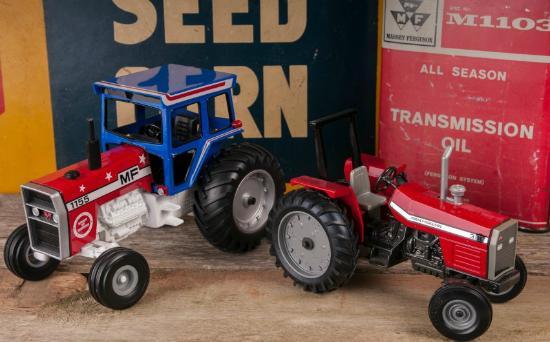 National Farm Toy Museum: Farm Toys!