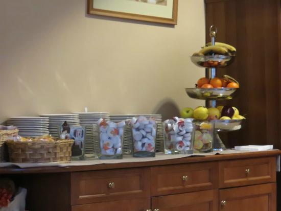 Hotel Clementi: una parte del buffet a colazione