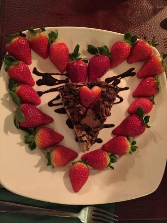 Mississippi Mud Pie Cheesecake with a surprise of Strawberries in the ...