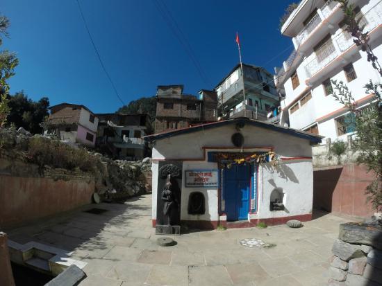 Kedarnath, الهند: Gaurikund Temple