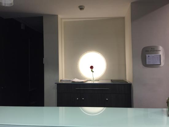 Quality Hotel Malesherbes by HappyCulture: Reception Area   Clean tidy & helpful staff