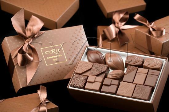 Cyril : Cajas de chocolates