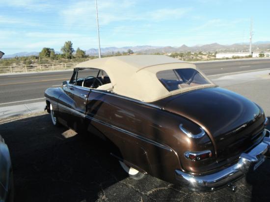Screamers Drive In: Mercury 1952 convertible at Screamers