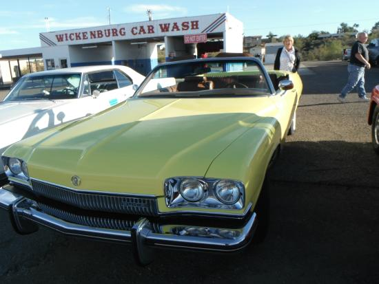 Screamers Drive In: Beautiful old Buick convertible at Screamers