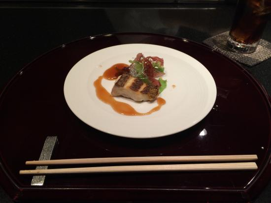 Teppanyaki Ittetsu Grandeur: 1st Course - Some type of fish with garnish...DELICIOUS!!!
