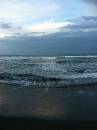 Casitas Joanna: A cincuenta metros de la playa, siempre se escucha el mar