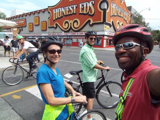 Toronto Bicycle Tours: Round the City Tour
