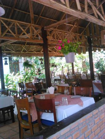 Sunset Restaurant: khu nha hang danh cho gia dinh
