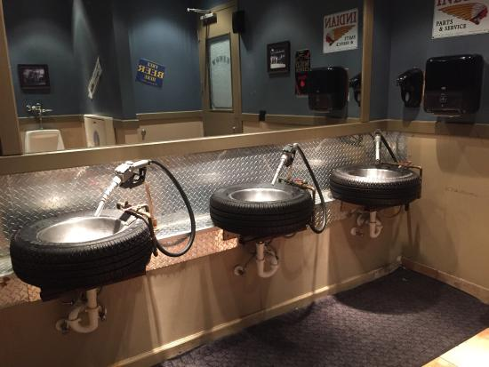Ford's Garage: Totally cool bathroom sinks!