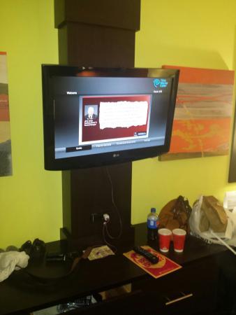 Holiday Inn Garland: Tv