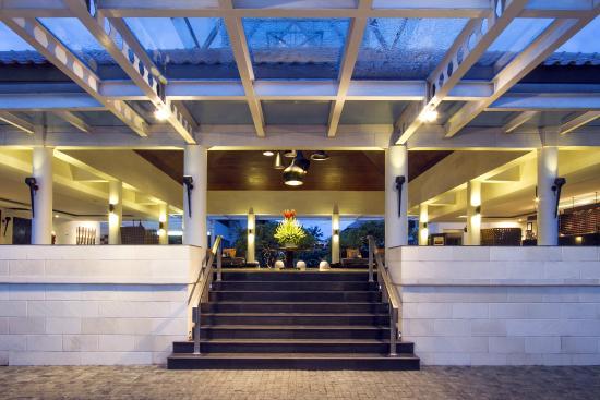 The Camakila Legian Bali: Camakila Entrance