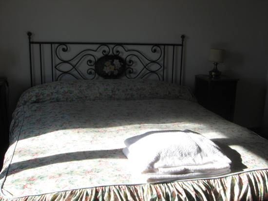 Agriturismo Podere Montepetreto: camera da letto