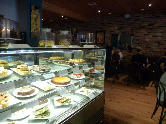 Olinda Cafe : Cake Display