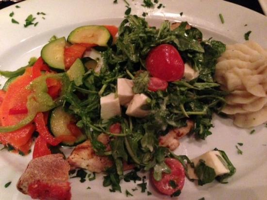 Villa Capri Trattoria & Wine Bar: Nice Italian Restaurant
