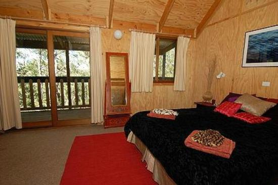 Bunjaree Cottages: Wattle Cottage - Bedroom