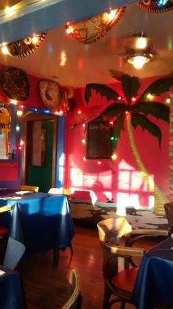 Gina's Mexican Cafe : Decor 1
