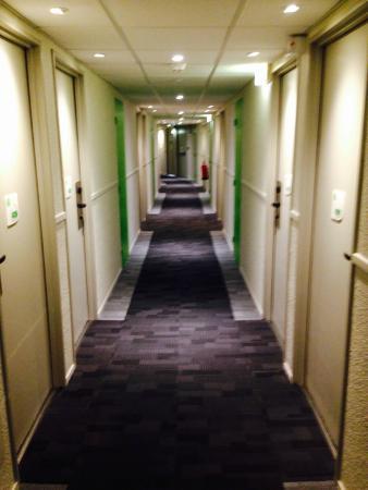 Couloir du 4 me picture of campanile paris est porte - Campanile paris est porte de bagnolet ...