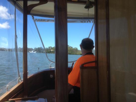 """Malu Os Eco Boat Hire Noosa: Driving """"Stillness"""" is so Easy and Quite! Sailing without Sails!!"""