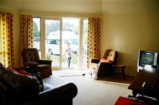 Alpaca Farmstay: Livingroom