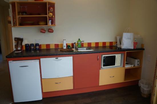 Alpaca Farmstay: Full kitchen