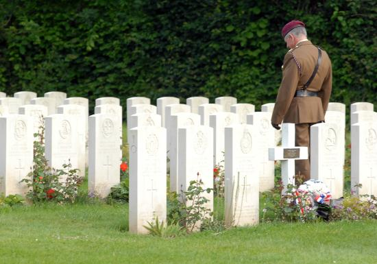 D Day Landing Tours: Paying respects